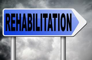 Former heroin addict describes free drug rehab centers