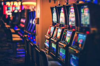Top 10 signs of slot machine addiction