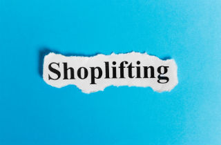 Why do people shoplift? Top 10 reasons