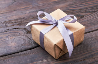 7 gift ideas for someone in addiction recovery