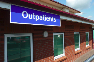 How does outpatient treatment for addiction work?