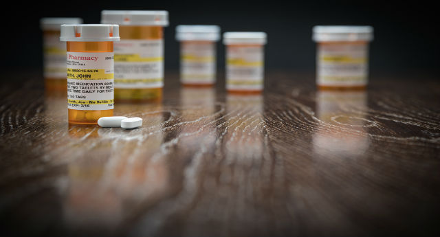 How to Keep Your Teen Safe from Prescription Painkillers